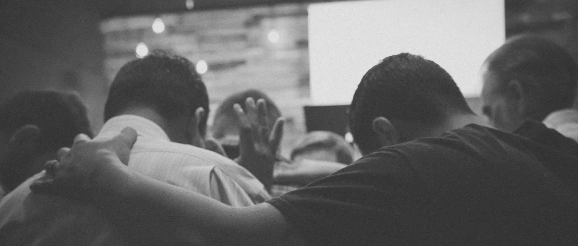 praying-together-tgc